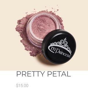 🆕 mPrincess Pretty Petal Eyeshadow Sample